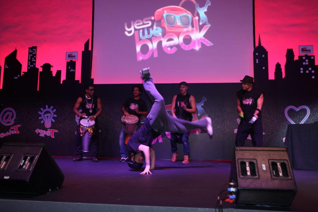 Espectáculo de break dance y percusión. Al ritmo de la calle.