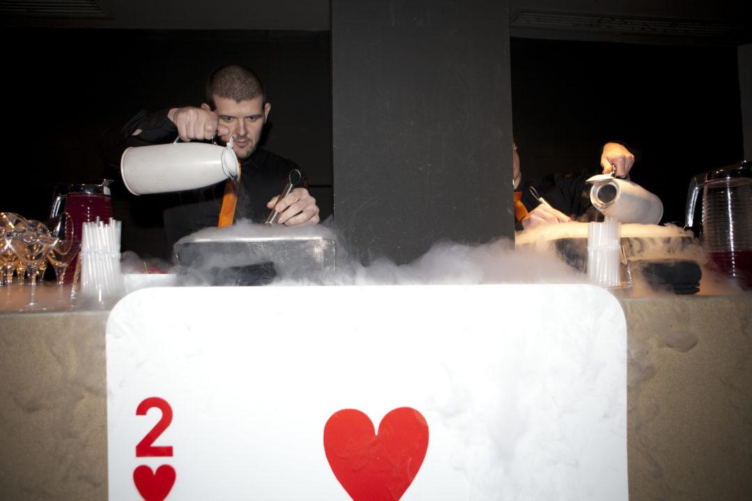 Recepción de los invitados con un cóctel mágico
