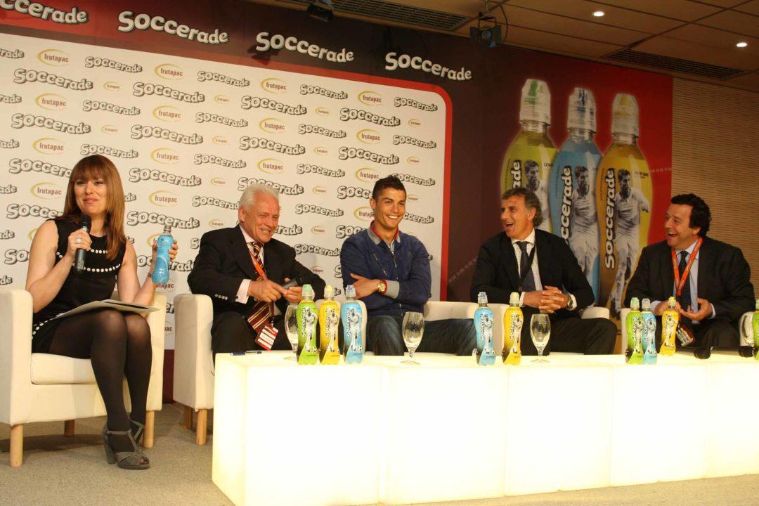Momento de la presentación de la bebida ante la prensa