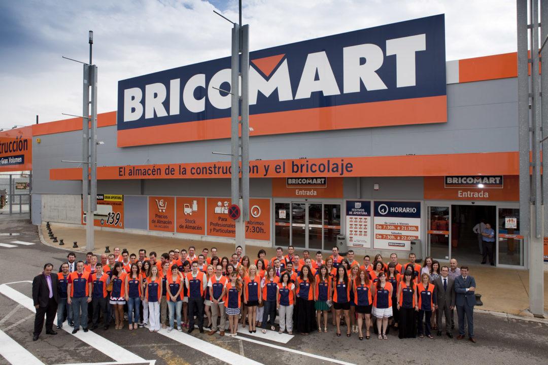 Foto de grupo del equipo de Bricomart