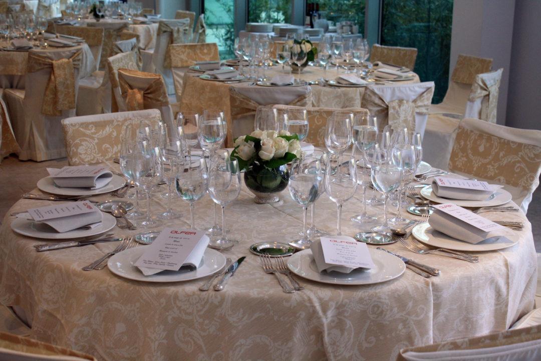 Detalle del montaje de mesas