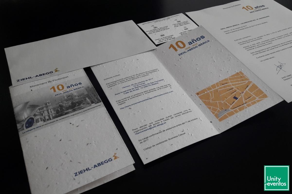 Invitación en papel plantable